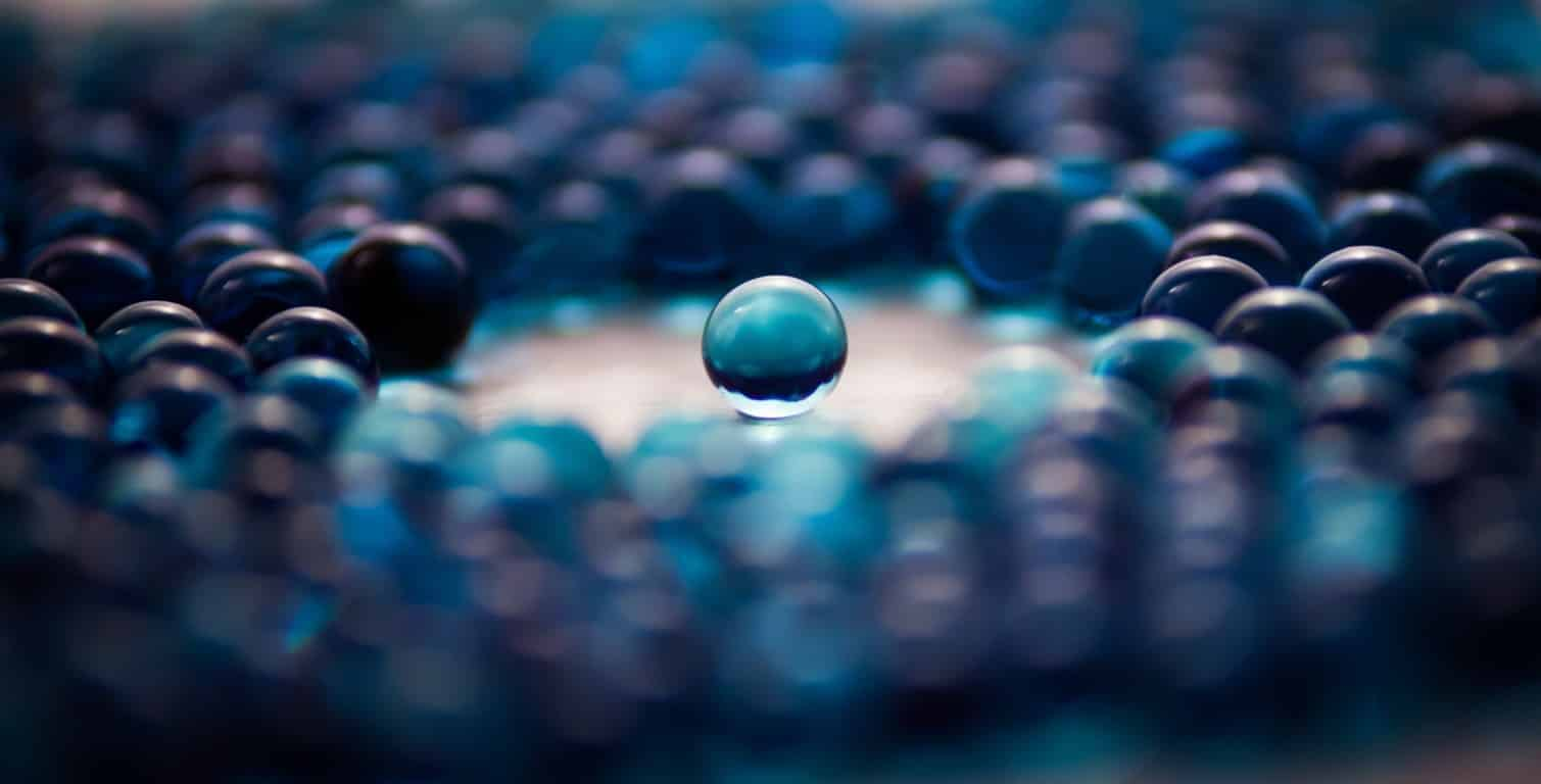 blue-abstract-glass-balls (FILEminimizer)